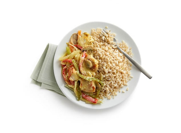 arroz_integral_con_vegetales_al_curry_y_pollo