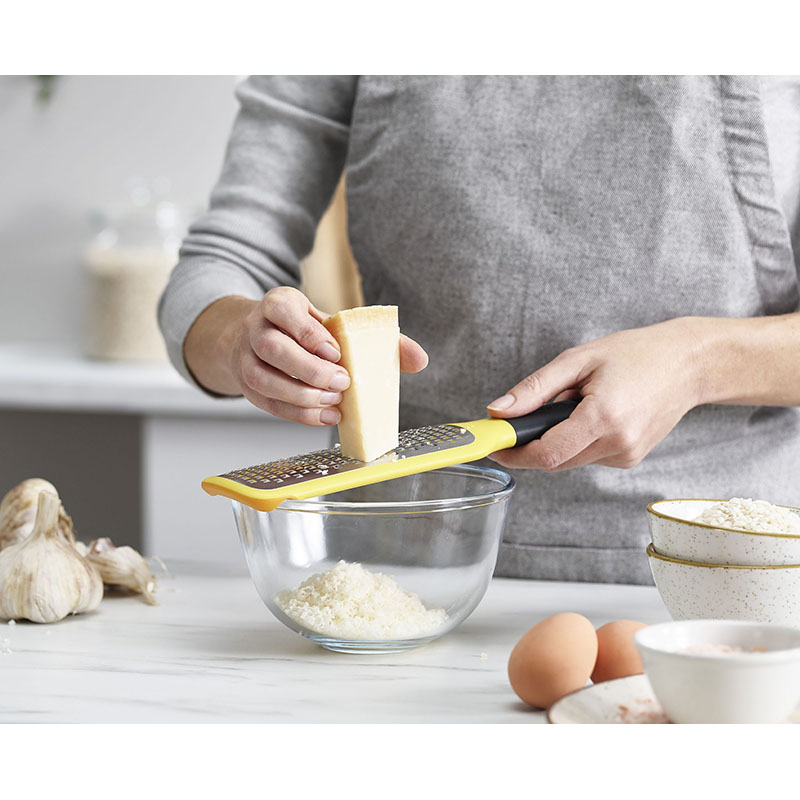 GripGrater Paddle Grater with Bowl Grip - ренде